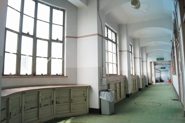 福祉センター分館 3階廊下.jpg